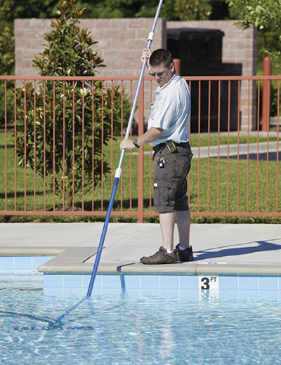 Water Cleaning Services : How do i keep my pool water crystal clear and prevent it